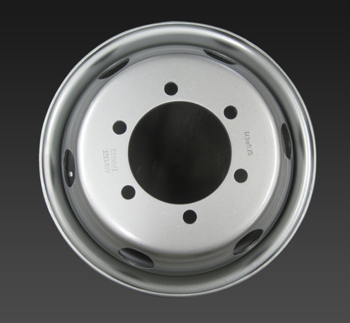 17.5*6 inch 6 hole tubeless truck steel wheel with pcd 208